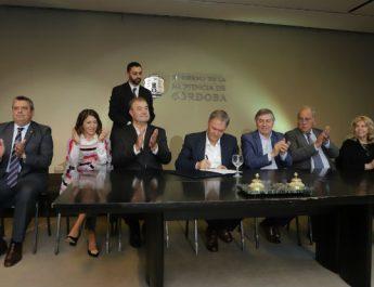 Schiaretti presentó el Plan cordobés de radicación de médicos en el interior